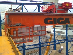 Mostové žeriavy GIGA s nosnosťou 125t a 165t pre elektráreň Počerady