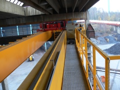 Mostový žeriav GDMJ 8t/16,5m s kabínou a drapákom pre KOVOHUTY Příbram_1