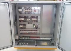 Portálový žeriav v MCE Hyíregyháza po modernizácii - nový rozvádzač